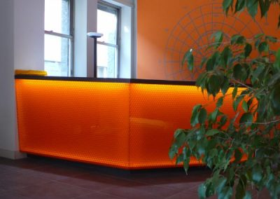 bancone_reception_illuminato_con_led